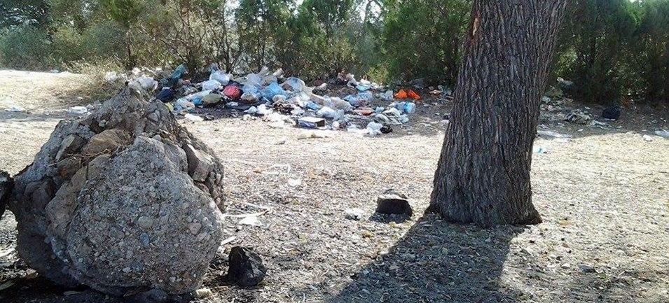 Eğirdir Bedre Plajı Çöpler