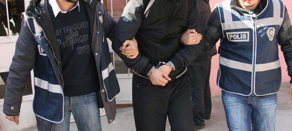 Otomobilden hırsızlık iddiası, tutuklandılar..