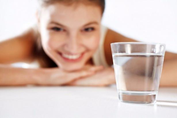 Sıcak su içmenin sizi şaşırtacak 12 faydası