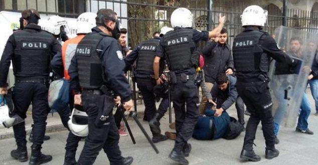 SDÜ'de İHH'nin Fotoğraf Sergisine saldırı…