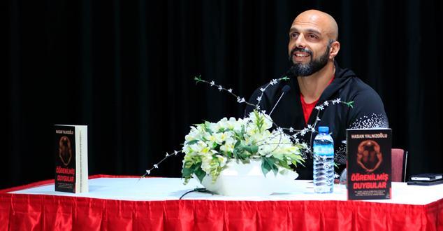 Survivor Hasan SDÜ Öğrencileriyle Buluştu