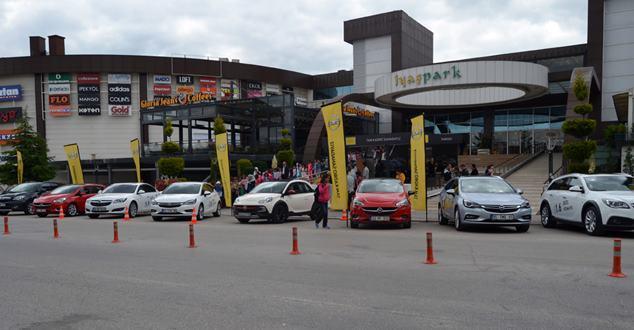 Iyaşpark AVM'de Opel Show