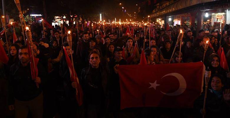 Fener Alayı yürüyüşüne binlerce Ispartalı katıldı