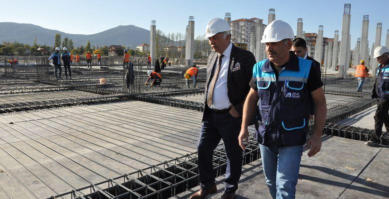 Otogar inşaatı gece – gündüz devam ediyor