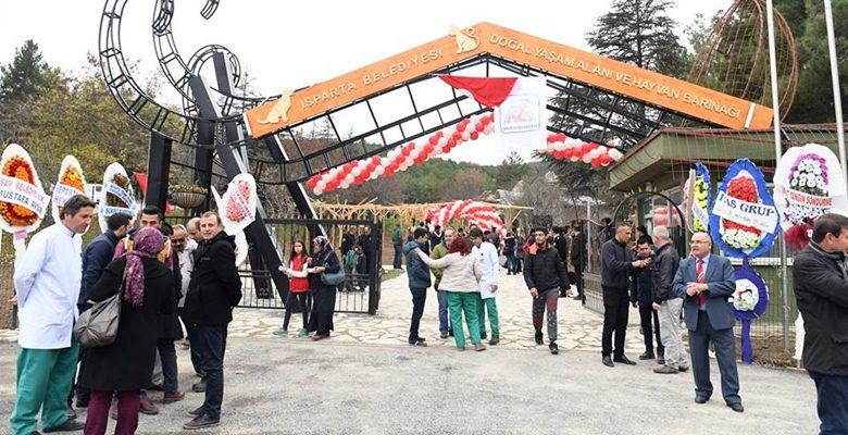 Isparta'da Türkiye'nin en büyük hayvan barınağı açıldı