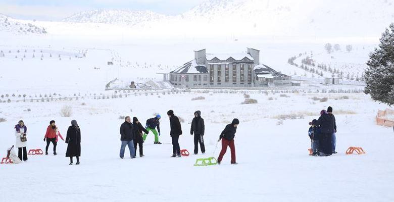 Kış Sporları'nın kalbinde bir SDÜ eseri: Davraz Uygulama Oteli