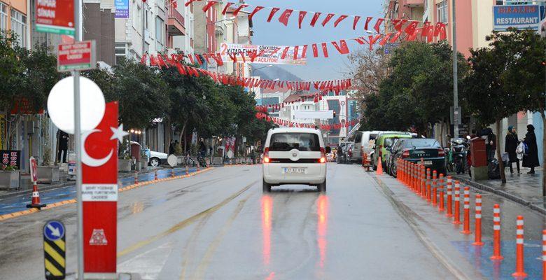 Isparta Belediyesi Türk Bayrağı asma kampanyası başlattı