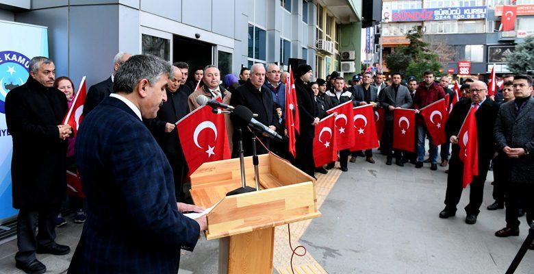 Isparta Belediyesi çalışanları dualarıyla Türk Ordusunun yanında