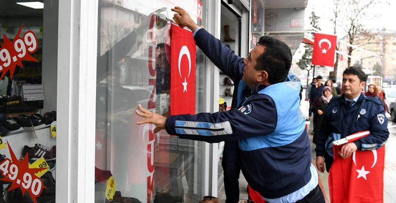 Esnaftan Türk Bayrağı kampanyasına büyük destek