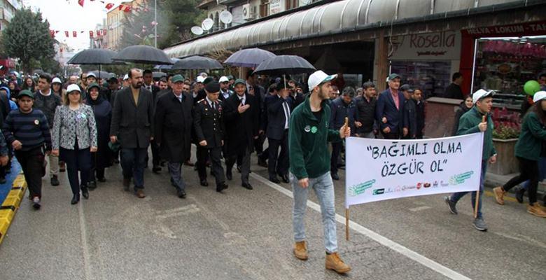 Isparta'da uyuşturucu ile mücadele yürüyüşü