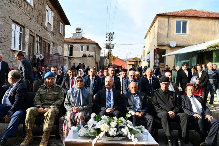 Kahraman Şehidimiz Hasan Hüseyin Gül'ün İsmi Köyünde Kütüphaneye Verildi
