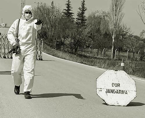 Muhtar ve eşi koronavirüs'e yakalandı