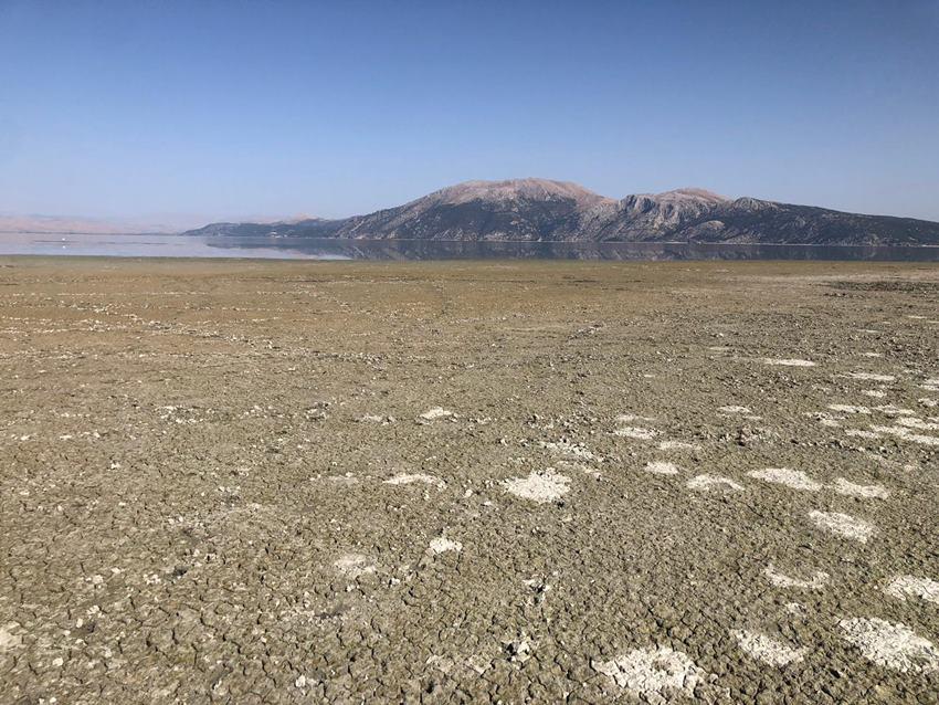 Eğirdir Gölü'nde ürküten manzara
