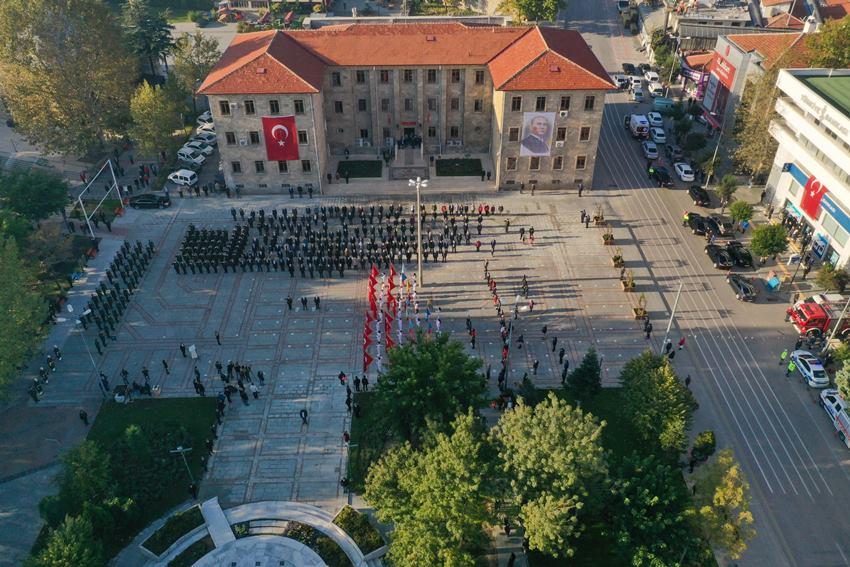 Gazi Mustafa Kemal Atatürk Saygı ve Minnetle Anıldı