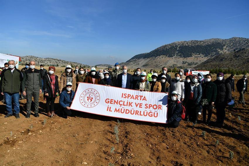 Isparta'da 20 Bin Fidan Toprakla Buluştu