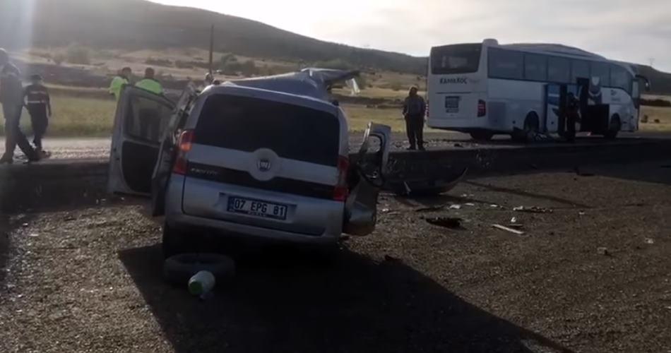 Isparta'da trafik kazası: 1 ölü, 3 yaralı