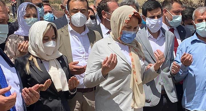 İYİ Parti Genel Başkanı Meral Akşener Eğirdir'de taziyede bulundu